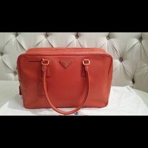 100% AUTHENTIC PRADA SAFFIANO Tote Bag